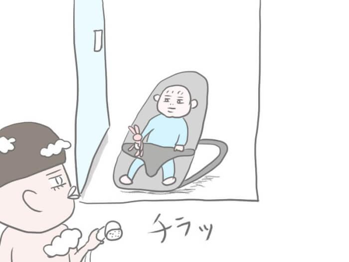 乳児のお風呂をワンオペで入れている母のイラスト